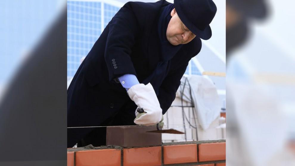 Глава Марий Эл заложил камень в основание нового дома для бюджетников в Йошкар-Оле