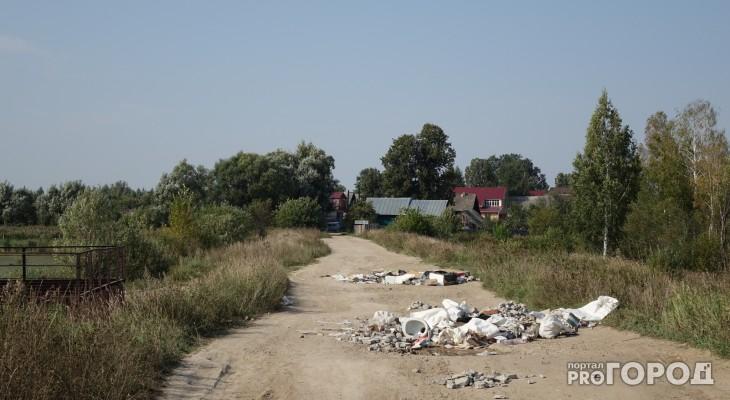 В пригороде Йошкар-Олы ямы на дорогах заложили строительным мусором