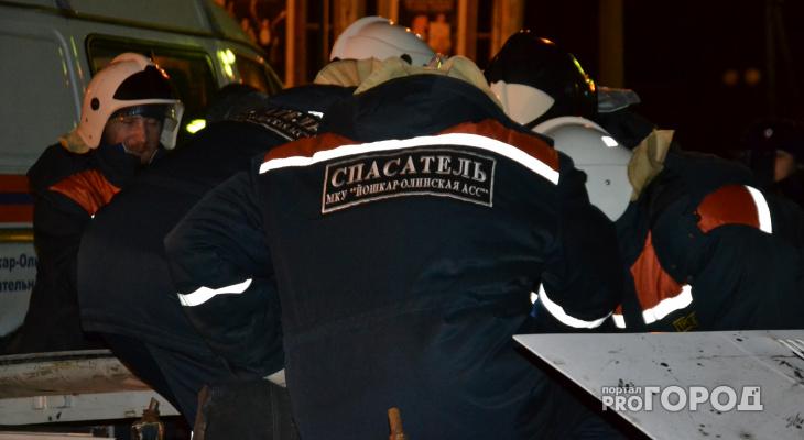 В Йошкар-Оле спасатели вытащили «пострадавших» из искореженного авто