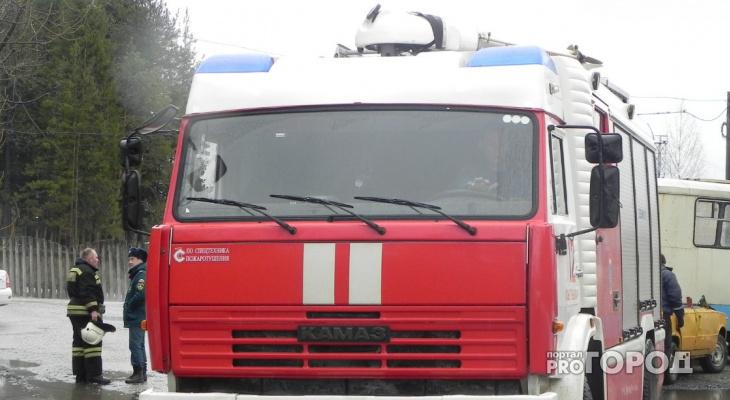 Жители Марий Эл спасли односельчанина из горящего дома