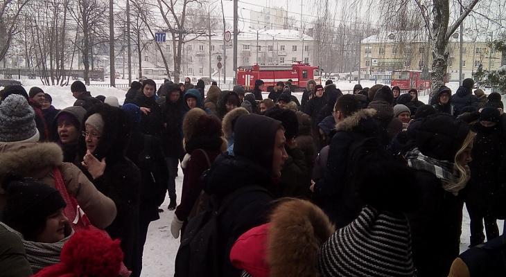 Почему йошкар-олинские студенты выбегали из горящего здания ВУЗа?
