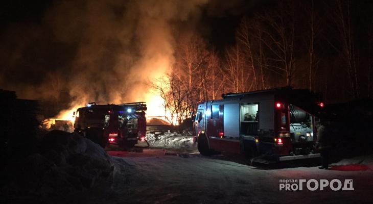 В Йошкар-Оле произошел крупный пожар на производстве