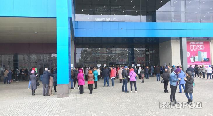 В Йошкар-Оле из одного ТЦ эвакуировали около тысячи человек