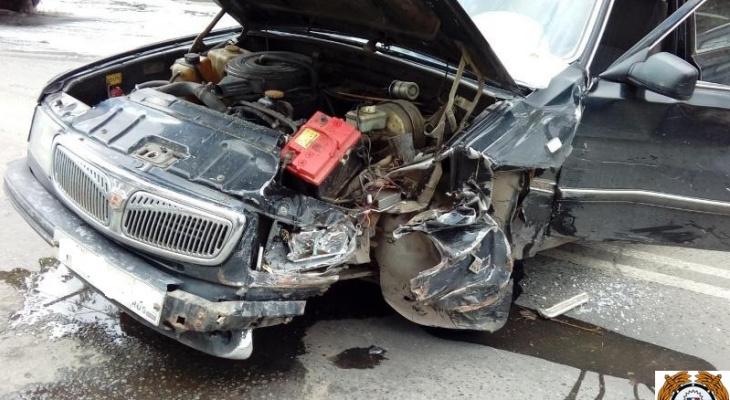 В ДТП с «Волгой» и «Семеркой» пострадала йошкаролинка