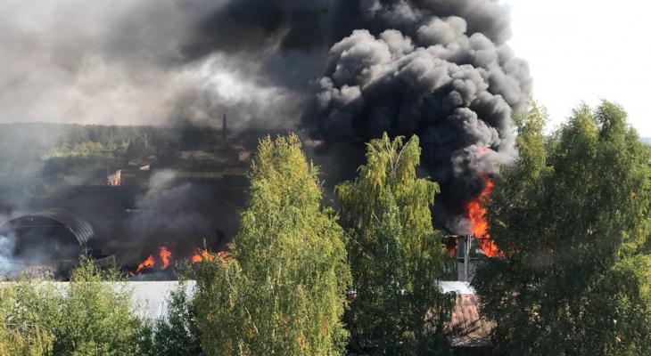 Йошкар-Ола в дыму: подробности пожара на производстве