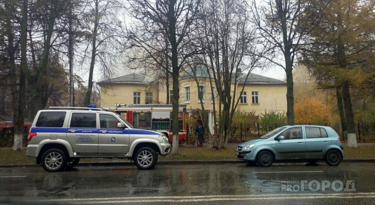 В Йошкар-Оле в полыхающее здание детсада бросились полицейские