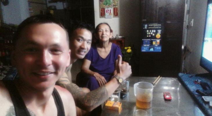 «Игра на выживание»: во Вьетнаме к йошкаролинцу пристала банда байкеров