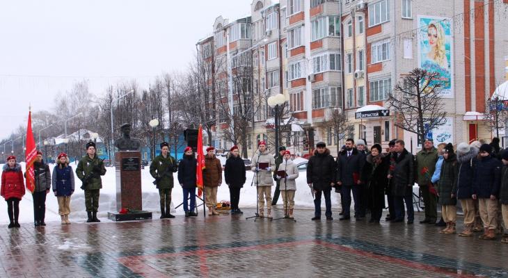 В Йошкар-Оле почтили память воинов-десантников, погибших смертью храбрых