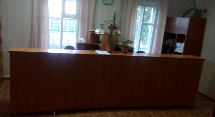 В Марий Эл глава поселения за ремонт в кабинете закрыл глаза на наказание осужденного