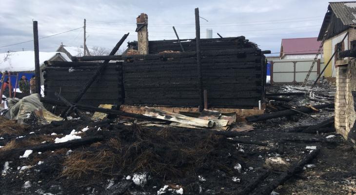Дом жителя Марий Эл остался без крыши после ночного пожара