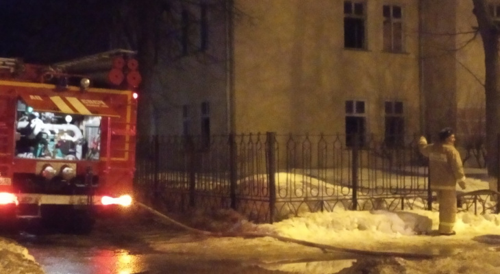 В Йошкар-Оле загорелось здание детского садика