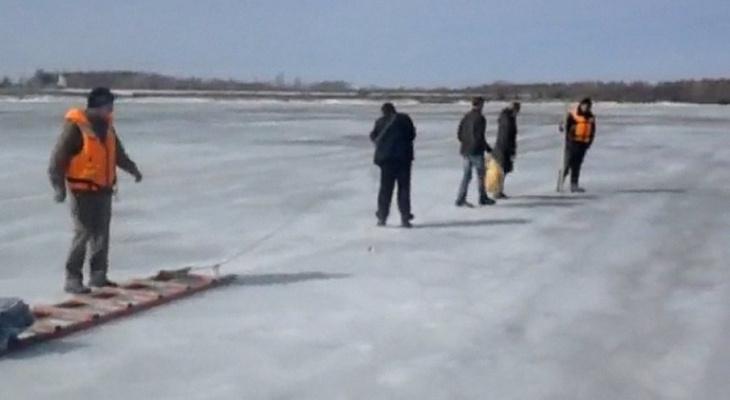 Спасатели вытащили на берег застрявшего в «ледяном» плену жителя Марий Эл