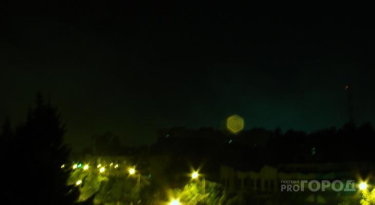 Йошкаролинка сфотографировала НЛО во время ночной грозы