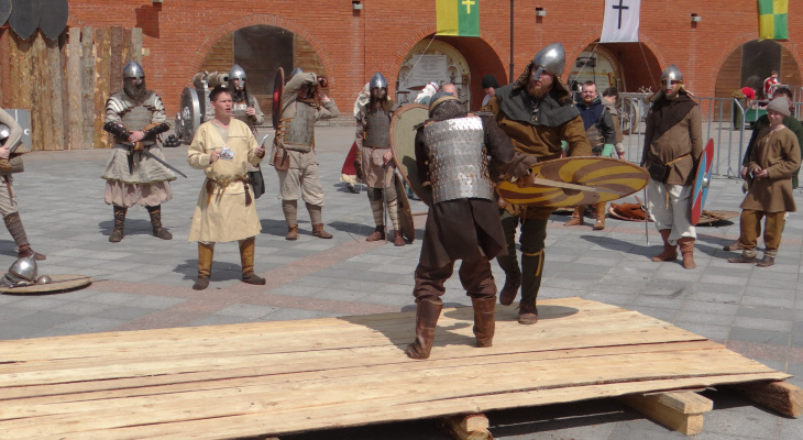 Афиша на выходные: йошкаролинцев ждут рыцарские бои и «Летучая мышь»