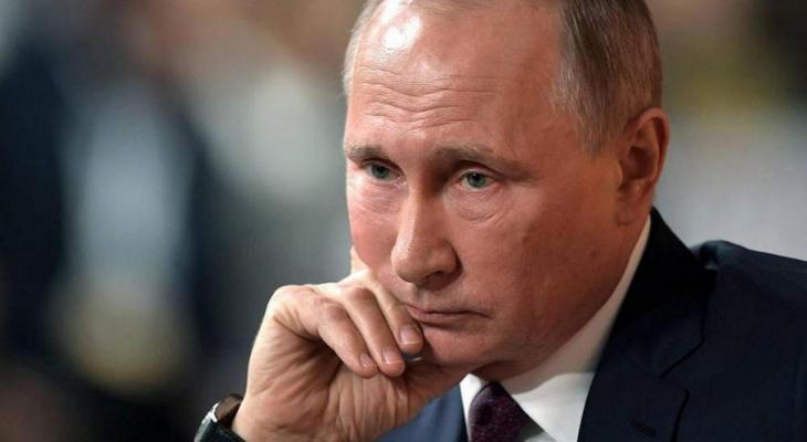 Новости России: рейтинг доверия Путину снизился до исторического минимума