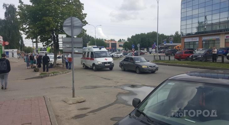 ШОК! В Йошкар-Оле иномарка сбила маленького мальчика рядом с торговым центром