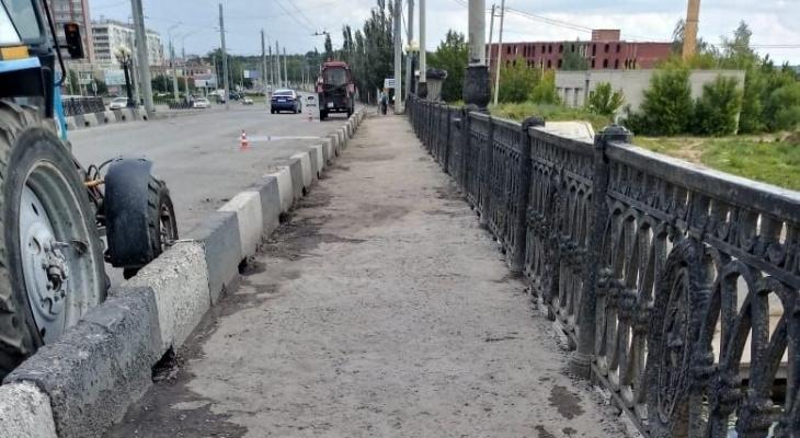 В Йошкар-Оле отремонтировали разбитый асфальт на Центральном мосту