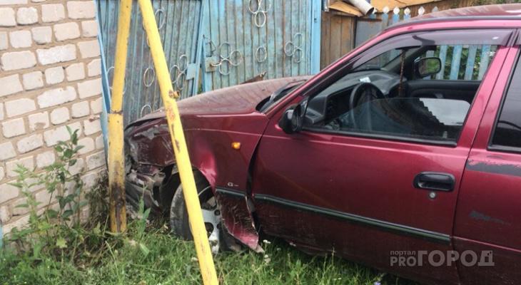 «Мне пора идти»: в пригороде Йошкар-Олы пьяный водитель въехал в дом
