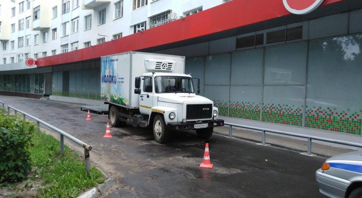 В Йошкар-Оле двое пешеходов оказались под колесами неуступчивых водителей