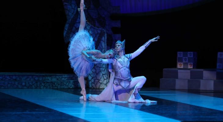 «Я поменял 60 пар балетной обуви»: откровения солиста балета из Йошкар-Олы