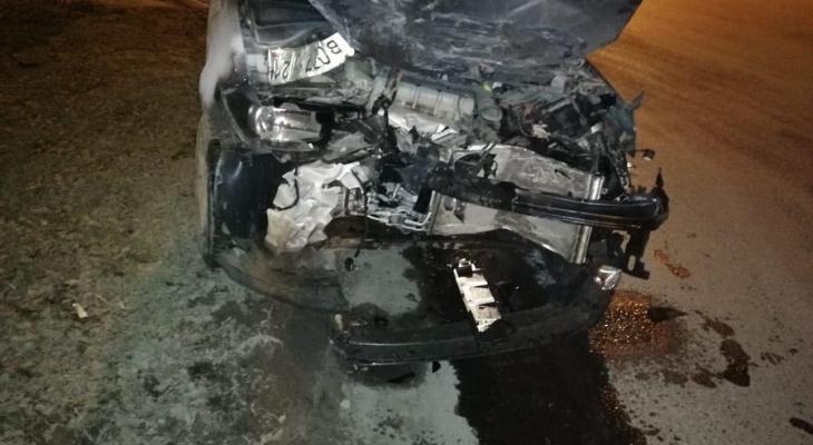 «Хотела проскочить»: в Йошкар-Оле автоледи на иномарке не уступила Ладе