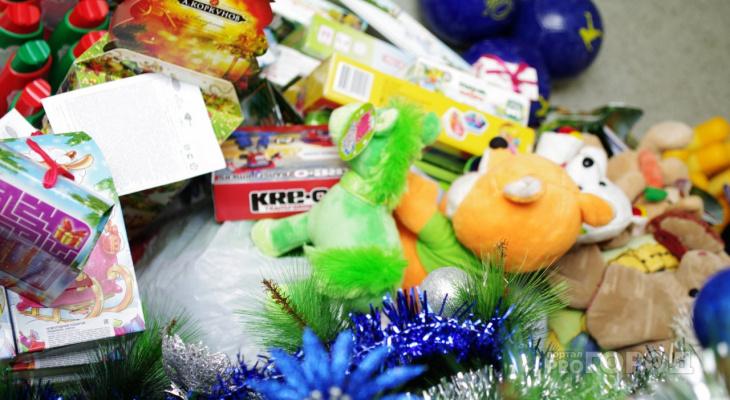 Минтруд запретил йошкаролинцам «баловать» госслужащих новогодними подарками
