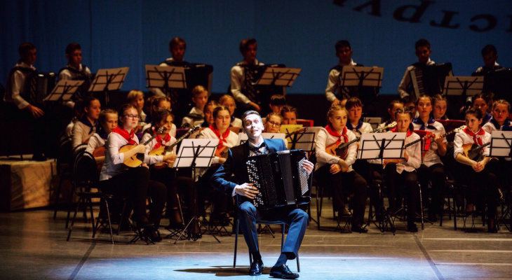 О музыке, больших победах и планах на будущее: юноша из Марий Эл входит в семерку лучших баянистов мира