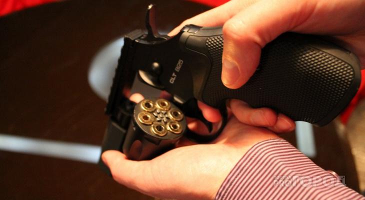 «Осталось после тренировки»: йошкаролинец хранил боеприпасы дома в картонной коробке