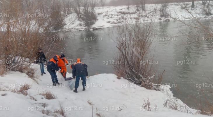 В Йошкар-Оле из Малой Кокшаги вытащили тело