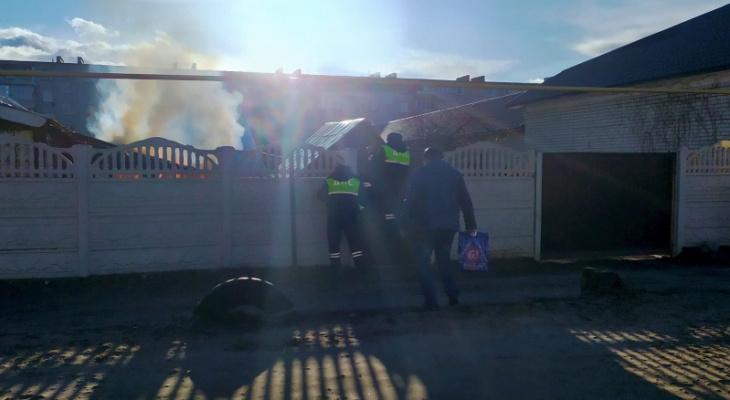 Герои нашего города: двое жителей Марий Эл вынесли шестилетнего мальчика с горящего участка