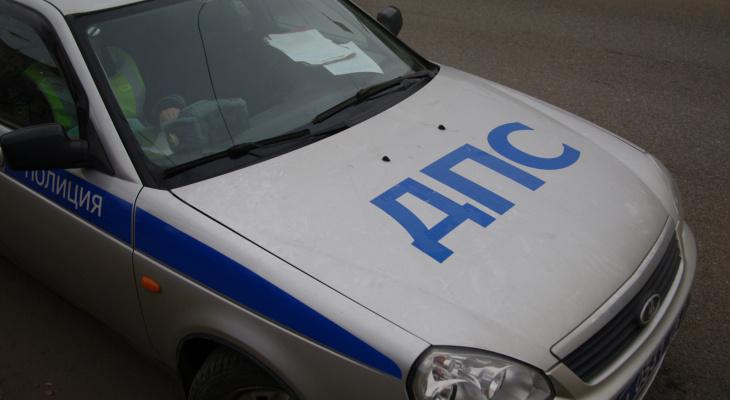 В Марий Эл водитель КамАЗа сбил на обочине женщину