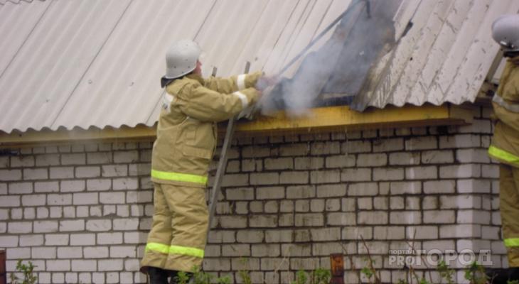 В Марий Эл вспыхнул магазин в Звениговском районе