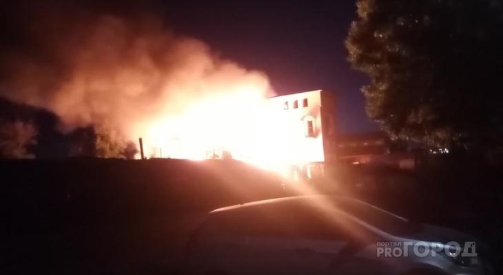 Ночью в Йошкар-Оле загорелась пиллорама