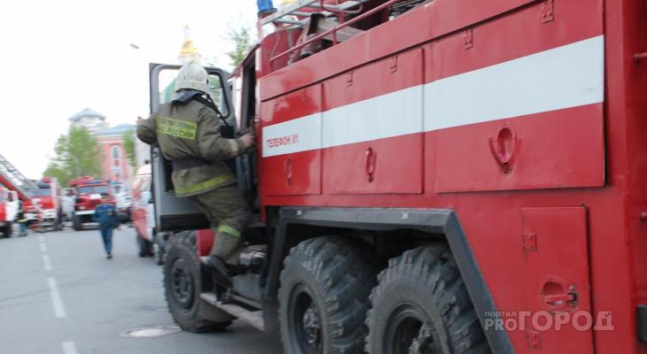 Житель Марий Эл пострадал в крупном пожаре, который тушили 15 огнеборцев