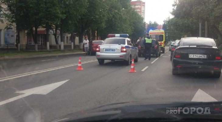 Йошкаролинец повредил голову после лобового столкновения на Ленинском проспекте