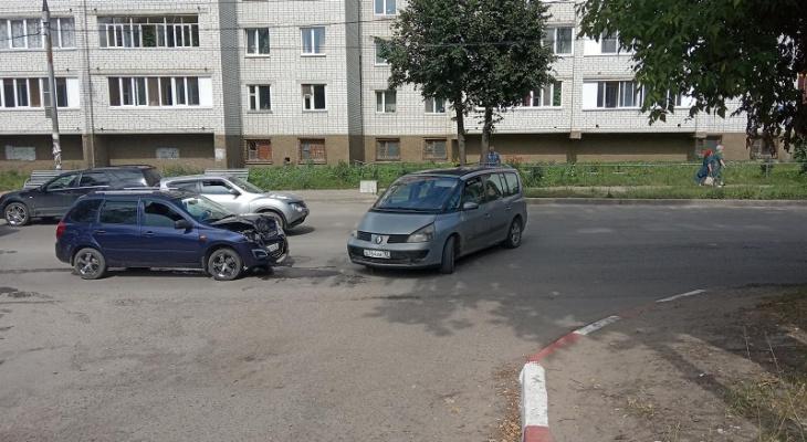 Лобовое столкновение на Суворова в Йошкар-Оле закончилось больницей