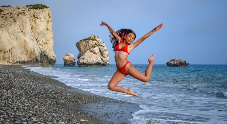 Бандо, бикини или халтер: йошкаролинки выбирают идеальный купальник