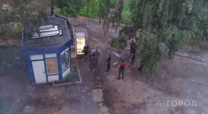 «Сущий ад»: жильцы дома в Йошкар-Оле страдают от круглосуточного киоска