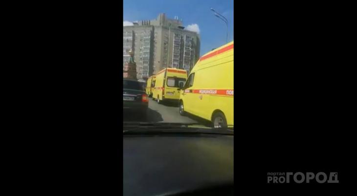 В Марий Эл станции скорой помощи вручили новые реанимобили