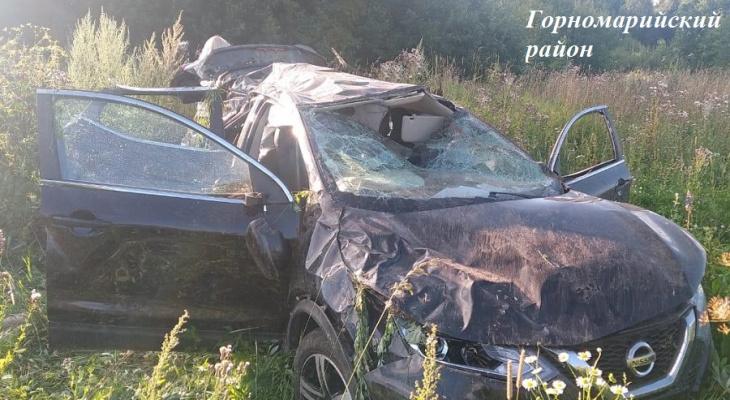 В перевернутой иномарке на дороге в Марий Эл скончался пассажир