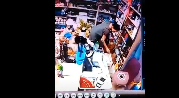 Просят показать товар: в пригороде Йошкар-Олы покупательница вынесла деньги из магазина
