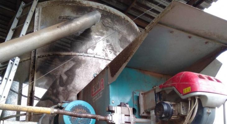 В Марий Эл вспыхнувшее зерно в сушилке пытались потушить работники завода
