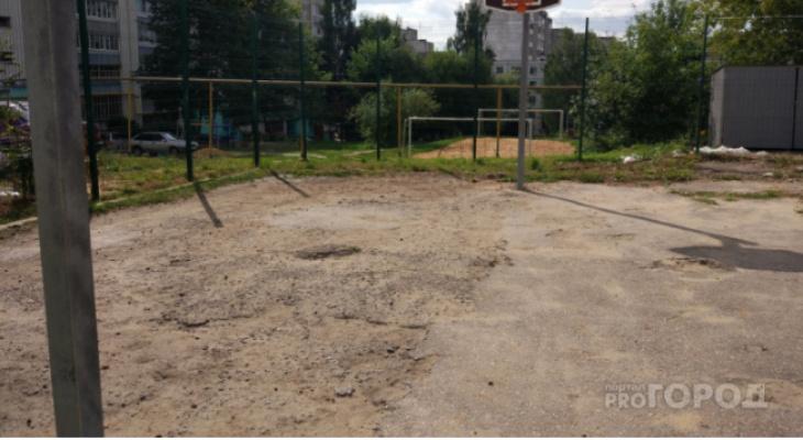 Более двух лет йошкаролинцы не могут добиться ремонта детской площадки