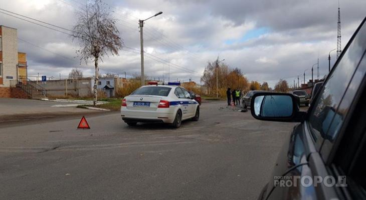 ДТП в одном из микрорайонов Йошкар-Олы: дорогу не поделили две иномарки
