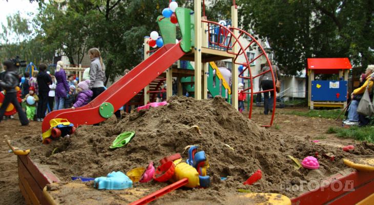 Йошкаролинцам, чтобы обезопасить детскую площадку, пришлось обратиться в прокуратуру