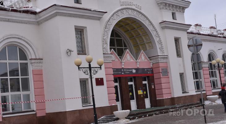 """""""Как после бомбежки"""": йошкаролинцы недовольны дорогой у ж/д вокзала"""