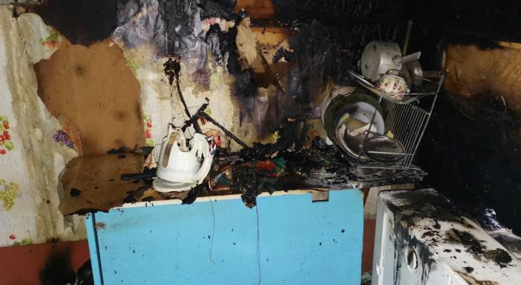 В Марий Эл пожарные нашли тело женщины в горящем доме