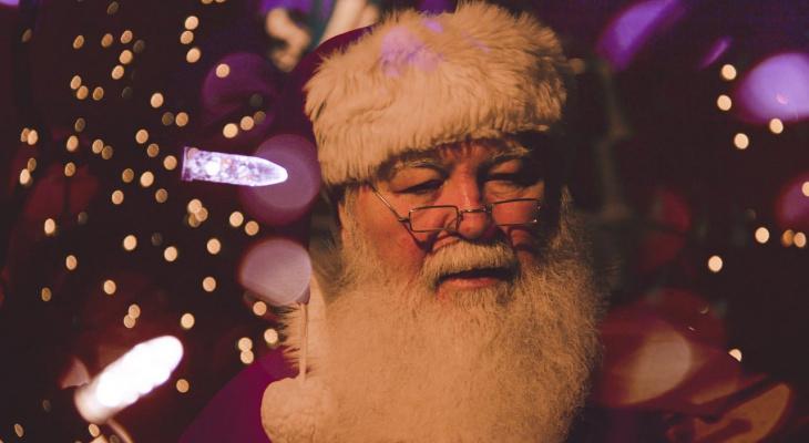 Дед Мороз и Снегурочка ждут звонков жителей Марий Эл