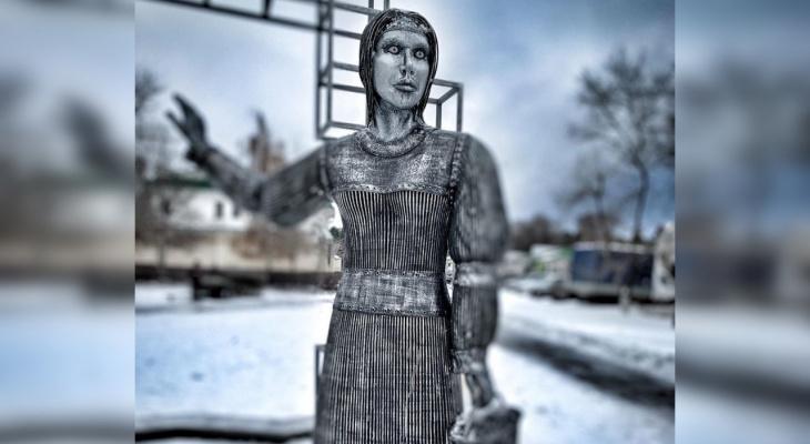 Коллекционер оберток шоколадки «Аленка» из Йошкар-Олы заступился за одноименный памятник в Нововоронеже
