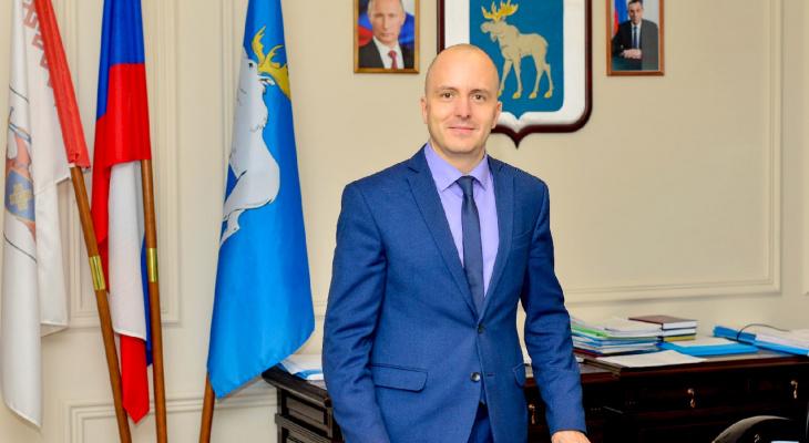 Мэр пожелал йошкаролинцам богатырского здоровья в Новом году
